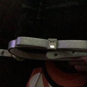 White House Black Market Silver Bow Belt Sz Small